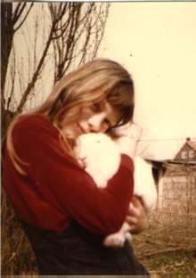 Guusje met konijn