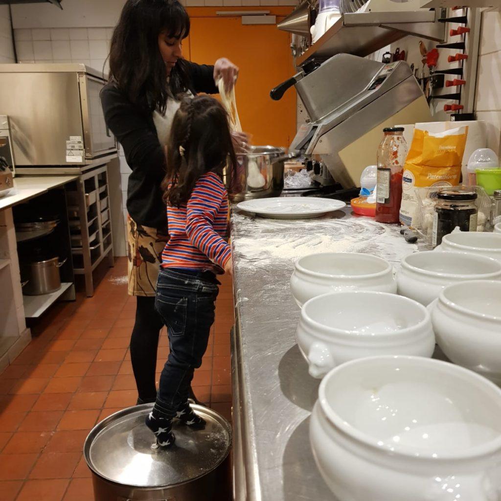 Wij Rebecca Nora samen koken